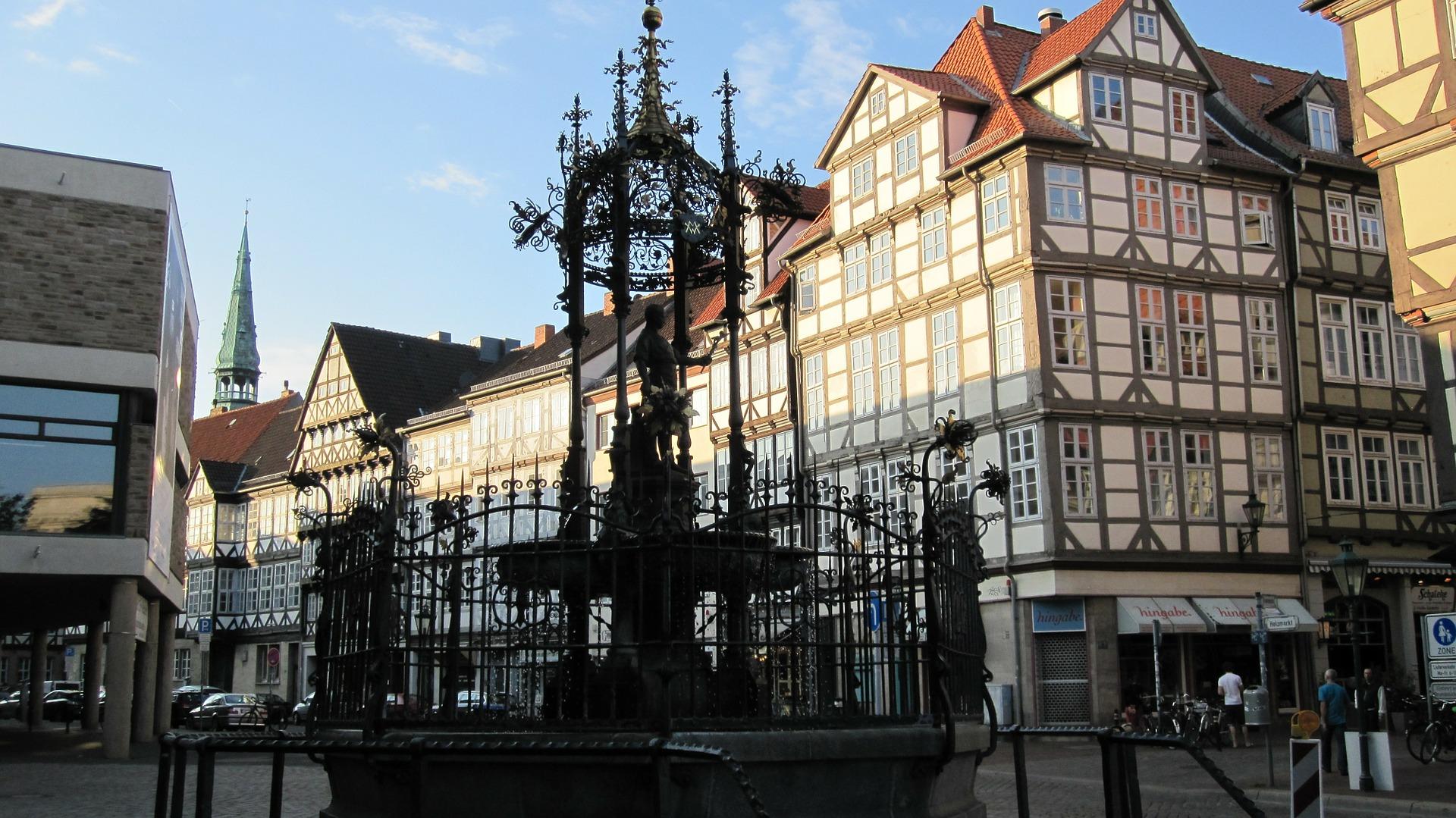 Konferenz-Dolmetscher und Übersetzer für Arabisch, Deutsch, Englisch und Spanisch im Großraum Hannover Nordrheinwestfalen